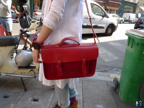 cartable rouge en cuir