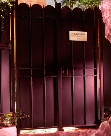 l'Hôtel Particulier de Montmartre décoré par Dita Von Teese