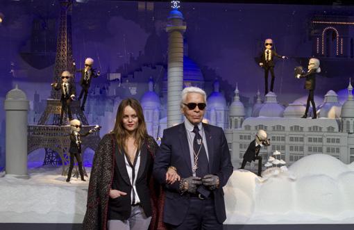 Vitrines de Noël du Printemps par Karl Lagerfeld pour Chanel