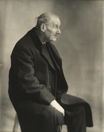 eugene atget portrait 1927 by Berenice Abbott jeu de paume paris exhibiton