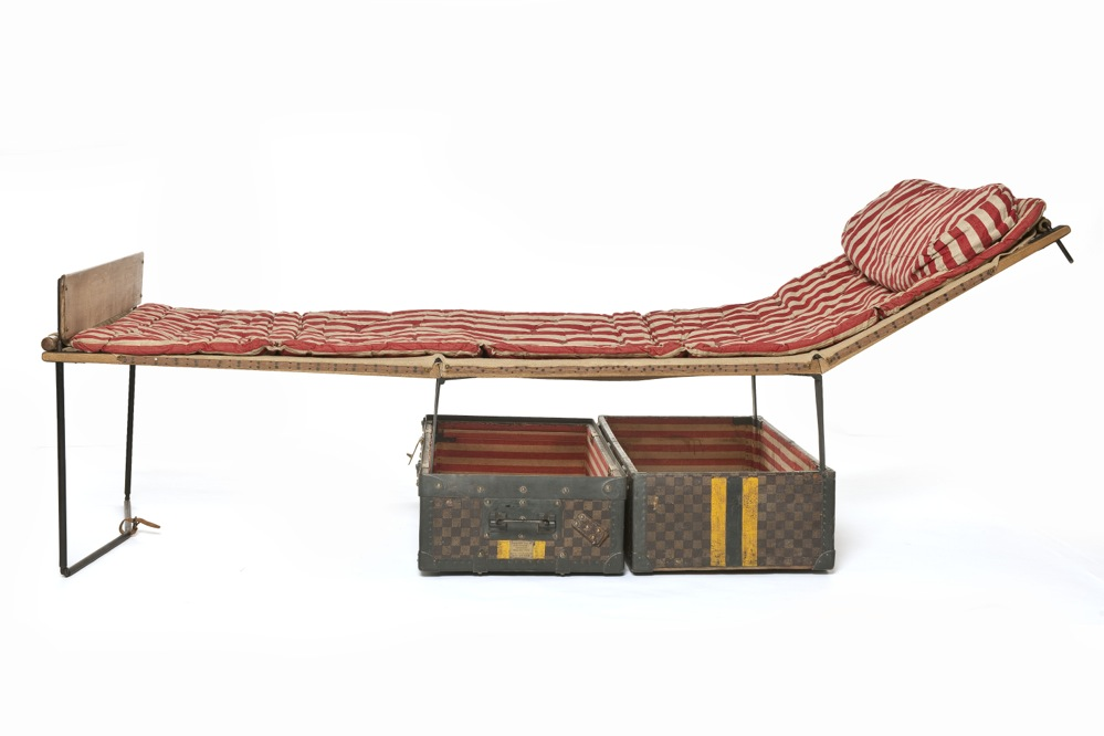 Louis Vuitton Bed arts décoratifs exhibition paris