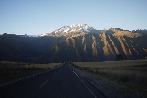 Route de montagnes au Pérou