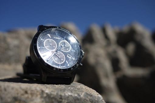 Sayhuite et montre Timex