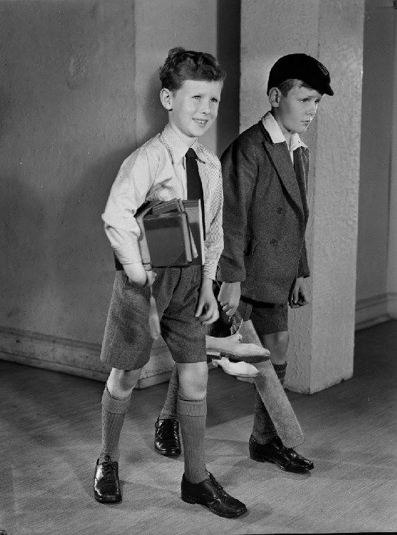 écoliers uniforme école privée 1950's